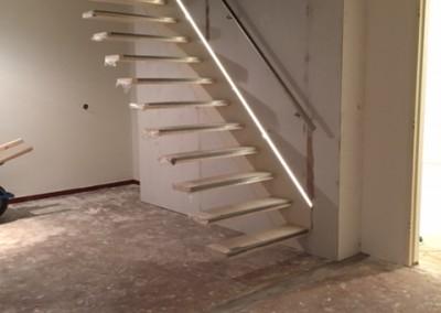 Bouwbedrijf Schippers Maken van trap sparing En plaatsen van een zwevende trap van bamboe_11