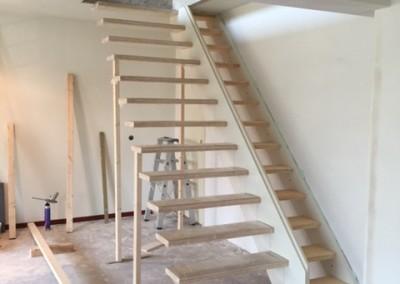Bouwbedrijf Schippers Maken van trap sparing En plaatsen van een zwevende trap van bamboe_8
